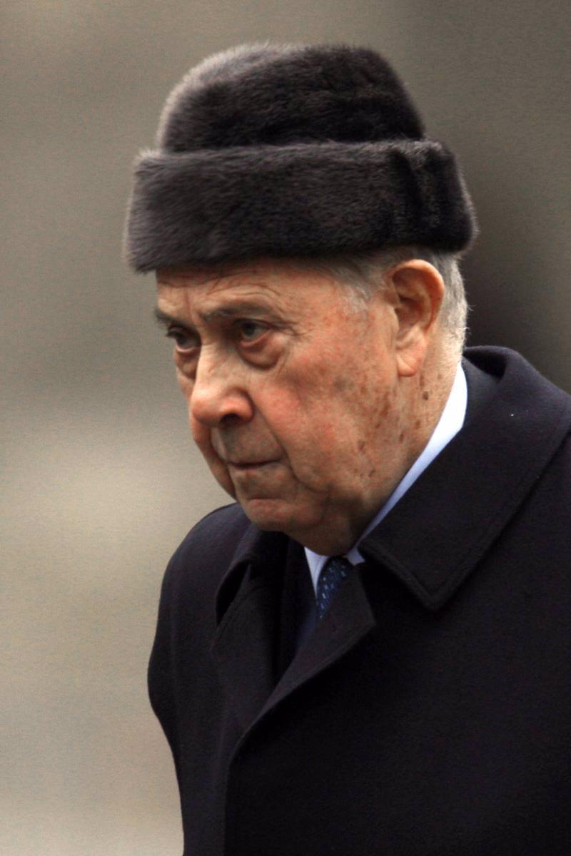 El ex ministro del interior pasqua condenado a un a o de for Ex ministro del interior