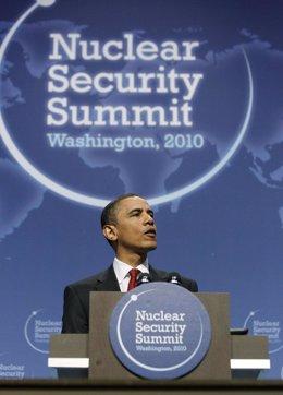 Obama en la cumbre nuclear de 2010