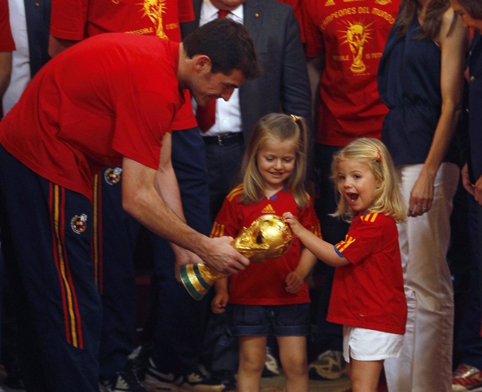 Iker Casillas con las Infantas Leonor y Sofía