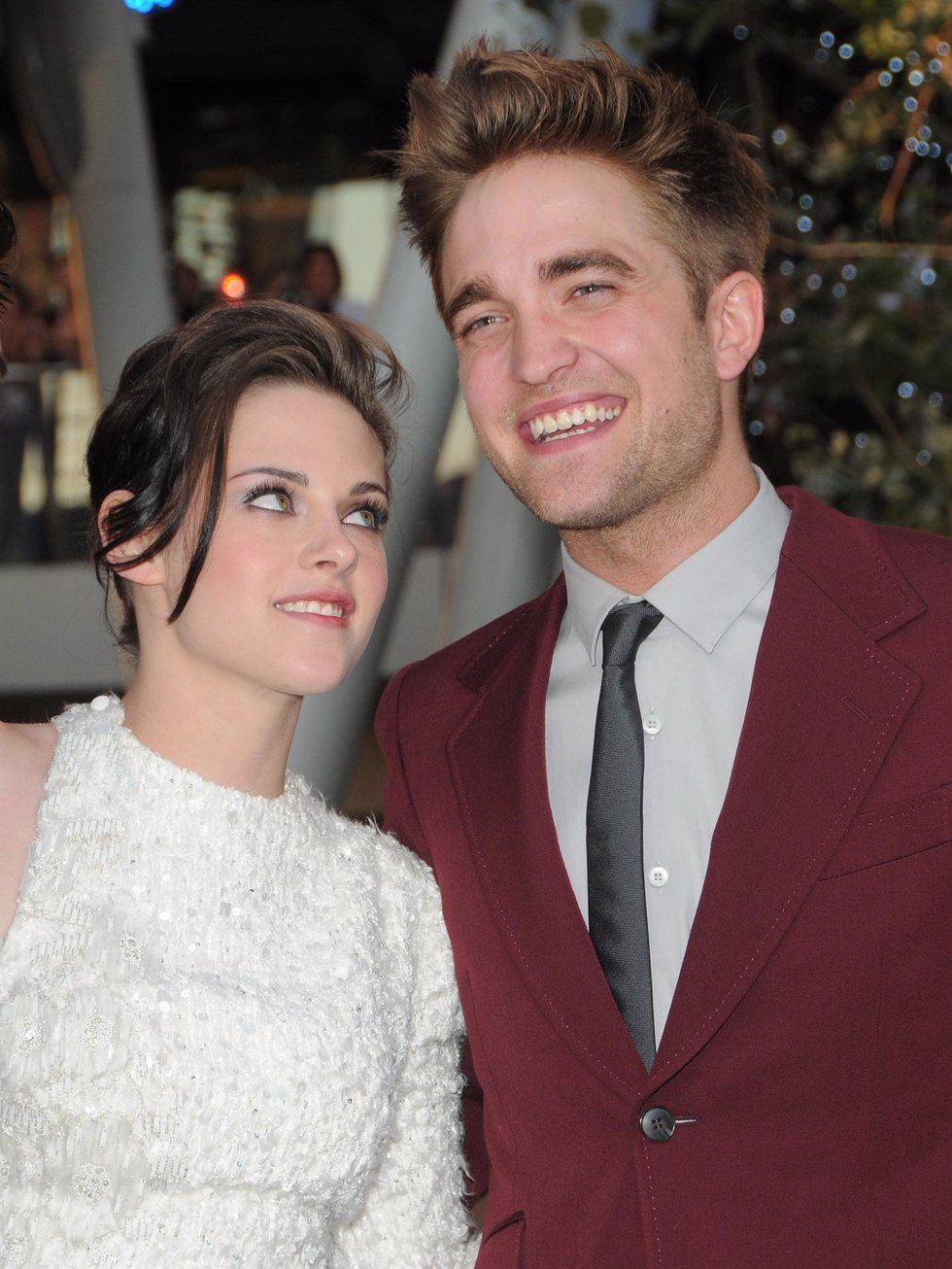 Kristen Stewart y Robert Pattinson en la premiére de 'Eclipse' en Los Angeles