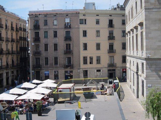 Barcelona retoma la construcci n del monumento de los for Permiso de obras barcelona