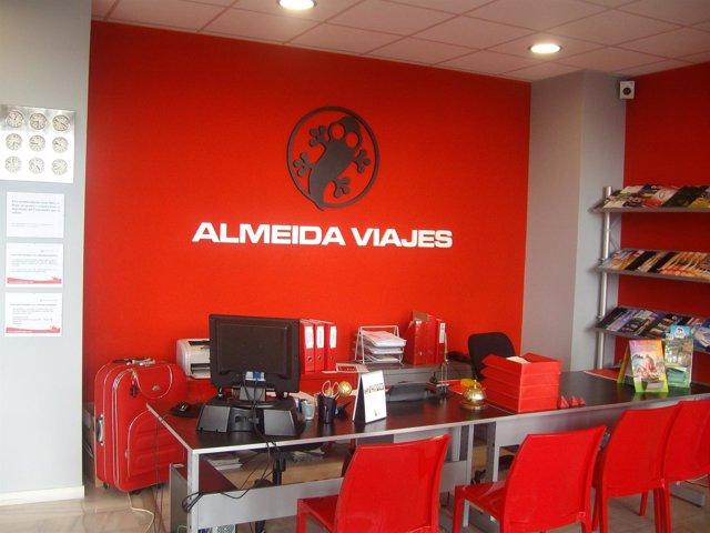 El grupo almeida viajes abre sus primeras agencias en for Oficinas unicaja cordoba