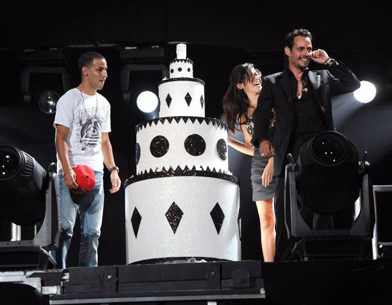 Marc Anthony celebra su 43 cumpleaños con lleno total en concierto de Miami Fotonoticia_20110918115659_800