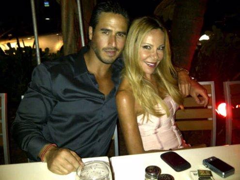Ana Obregón, con Raúl Olivo, en Miami.