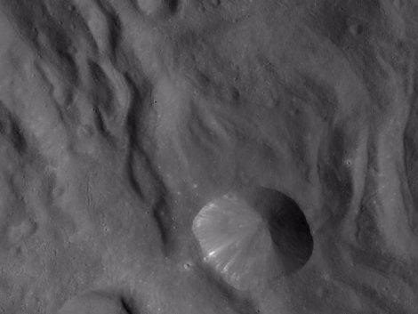 La NASA desvela la primera fotografía completa del asteroide Vesta Fotonoticia_20111003180846_470