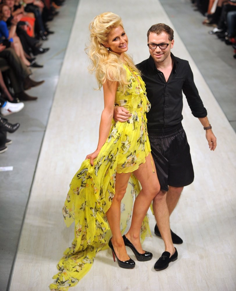Paris Hilton Y El Diseñador Andre Tan