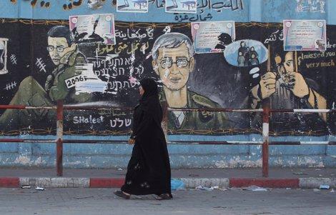 Paso Fronterizo Entre Israel Y Gaza Donde Puede Verse Un Cartel Sobre Shalit