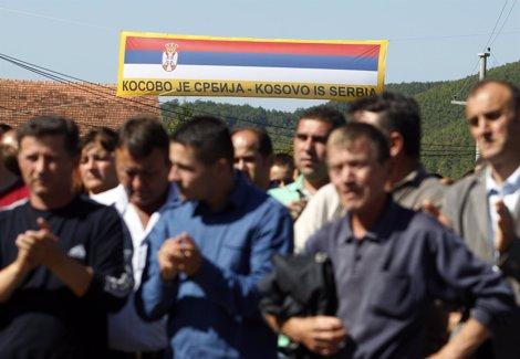 Serbokosovares Del Norte De Kosovo Se Manifiestan Contra La Independencia