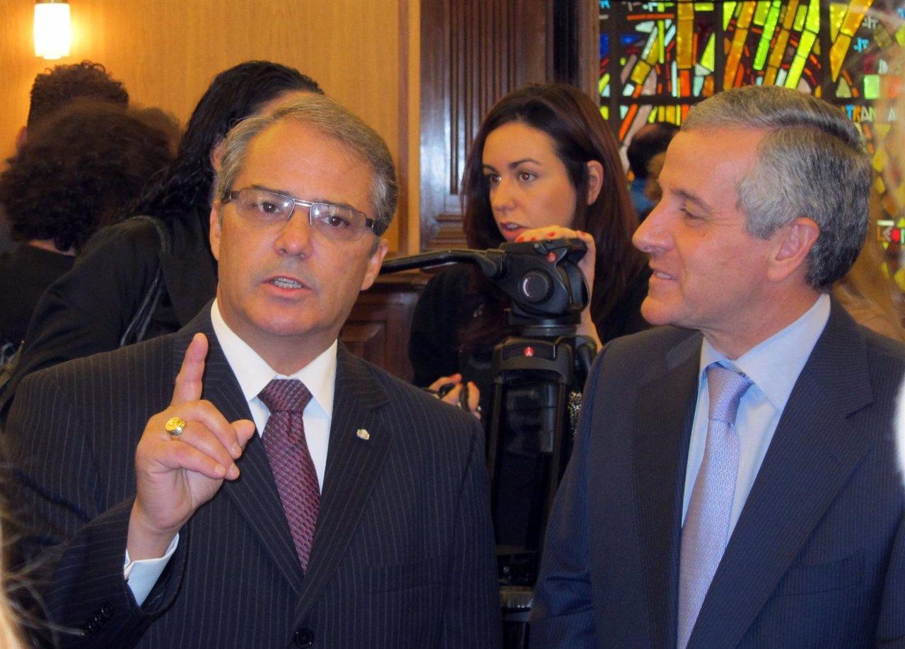 Brad Owen Y Emilio Gutiérrez