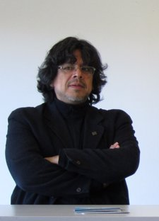 Fernando Iwasaki, Escritor