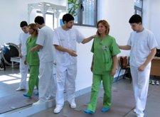 Sanitarios Testan La Alfombra Digital Que Relaciona El Andar Con Enfermedades