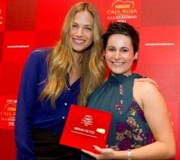 Martina Klein Y Miriam Reyes, En La I Edición De Los Premios Nestlé Caja Roja