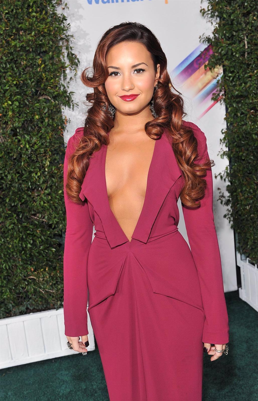 Demi Lovato En Una Alfombra Roja
