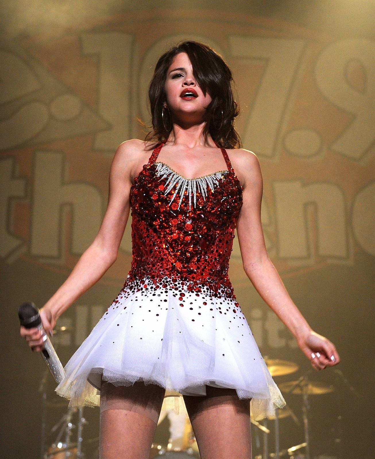 Selena Gomez Durante El Homenaje A Katy Perry