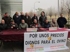 Representantes De UCCL Y Cooperativas Ante La Consejería De Agricultura