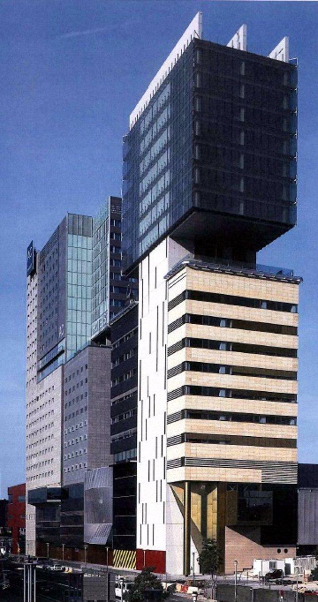 La conselleria de bienestar traslada su sede para ahorrar for Oficina de bienestar social y familia