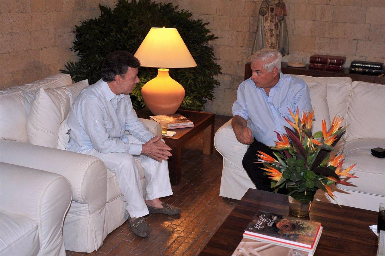 Los Presidentes De Colombia, Juan Manuel Santos, Y Panamá, Ricardo Martinelli.