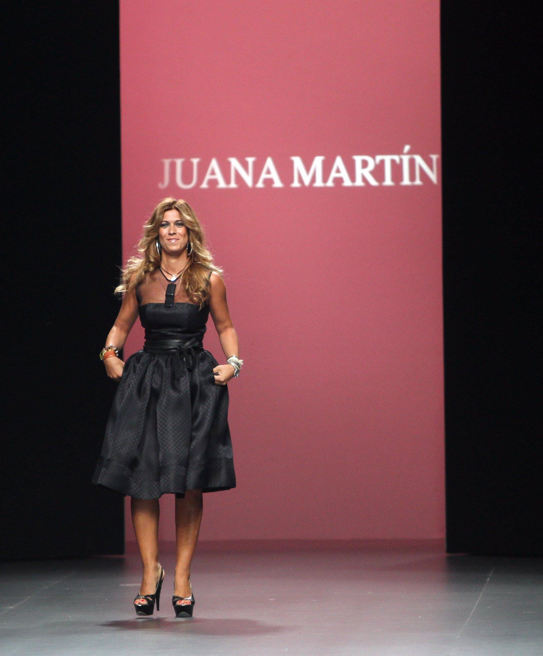 La Diseñadora Juana Martín En Uno De Sus Desfiles De Cibeles