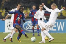 Pepe Entra A Un Jugador Del CSKA Ante La Presencia De Arbeloa Y Callejón