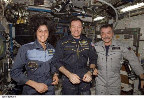 López Alegría (En El Centro) En La ISS