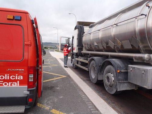 La Policía Foral controlará el transporte de mercancías peligrosas