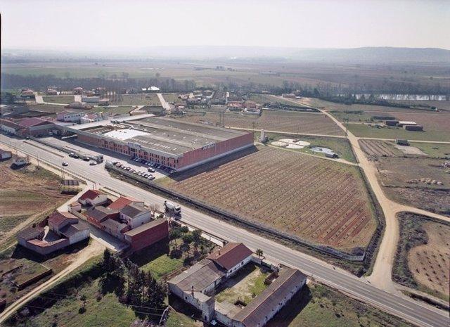 Vista Aérea De Las Instalaciones De Lácteas Castellano-Leonesas.