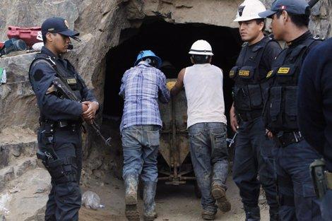 Rescate De Los Mineros Atrapados En Perú