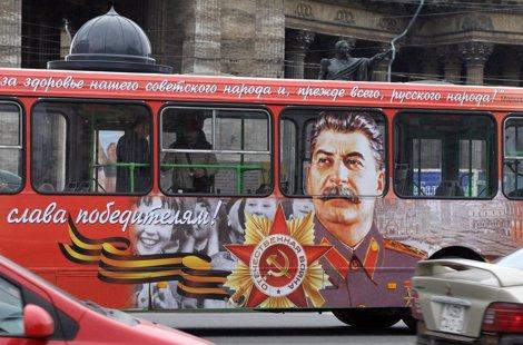 Ciudades de la antigua URSS decorarán autobuses con la imagen de Stalin Fotonoticia_20120420084425_470