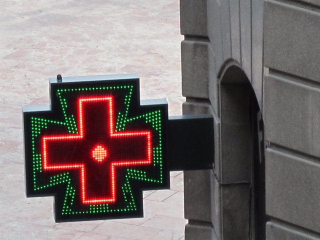 Un logotipo de una farmacia