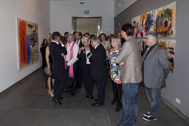 Rus, La Concejala De Cultura Y Autores De La Exposición Con Algunas Obras