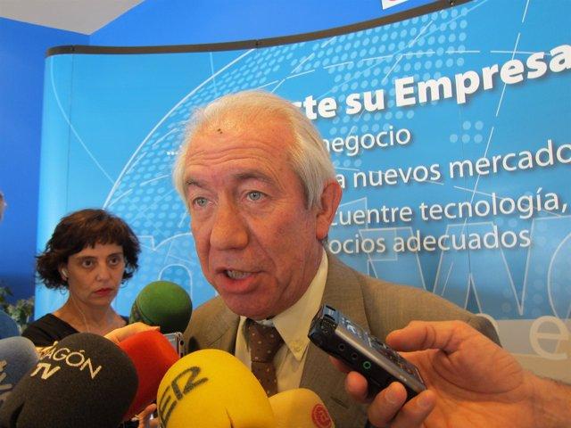 El Consejero De Economía Y Empleo Del Gobierno De Aragón, Francisco Bono.
