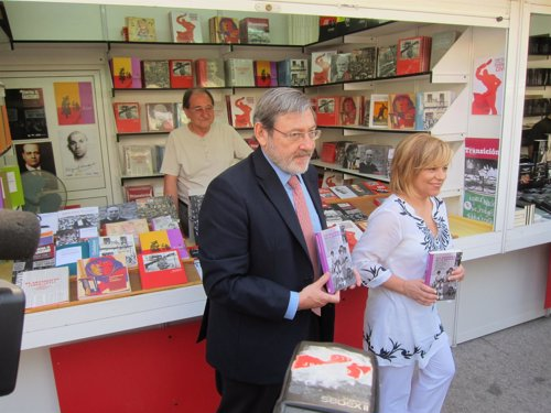 El PSOE pide más apoyo para la Feria del Libro
