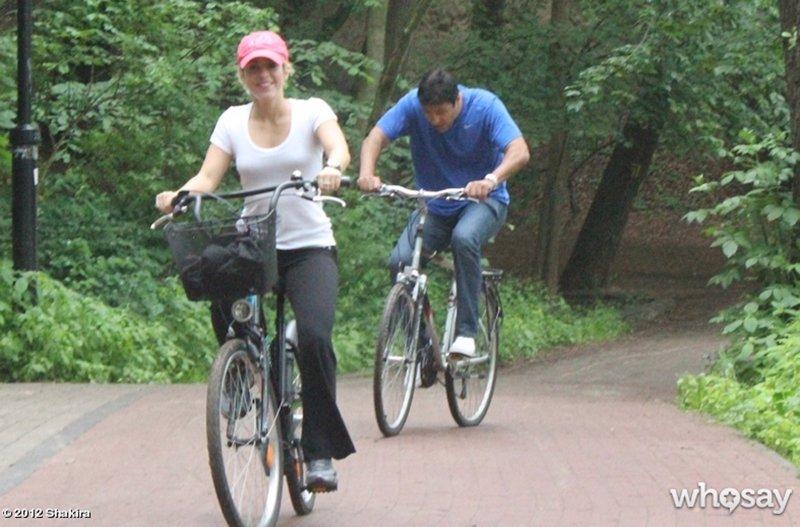 La caseta del chihuahua shakira pasea en bicicleta for Caseta para bicicleta