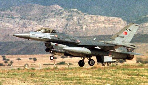 La aviación turca bombardea posiciones en el norte de Irak