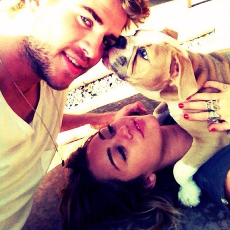 Miley cyrus y liam hemsworth en twitter