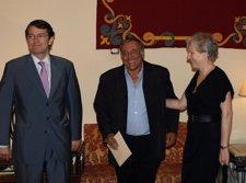 Mañueco, Octavi Centelles Y Carmen Negrín,