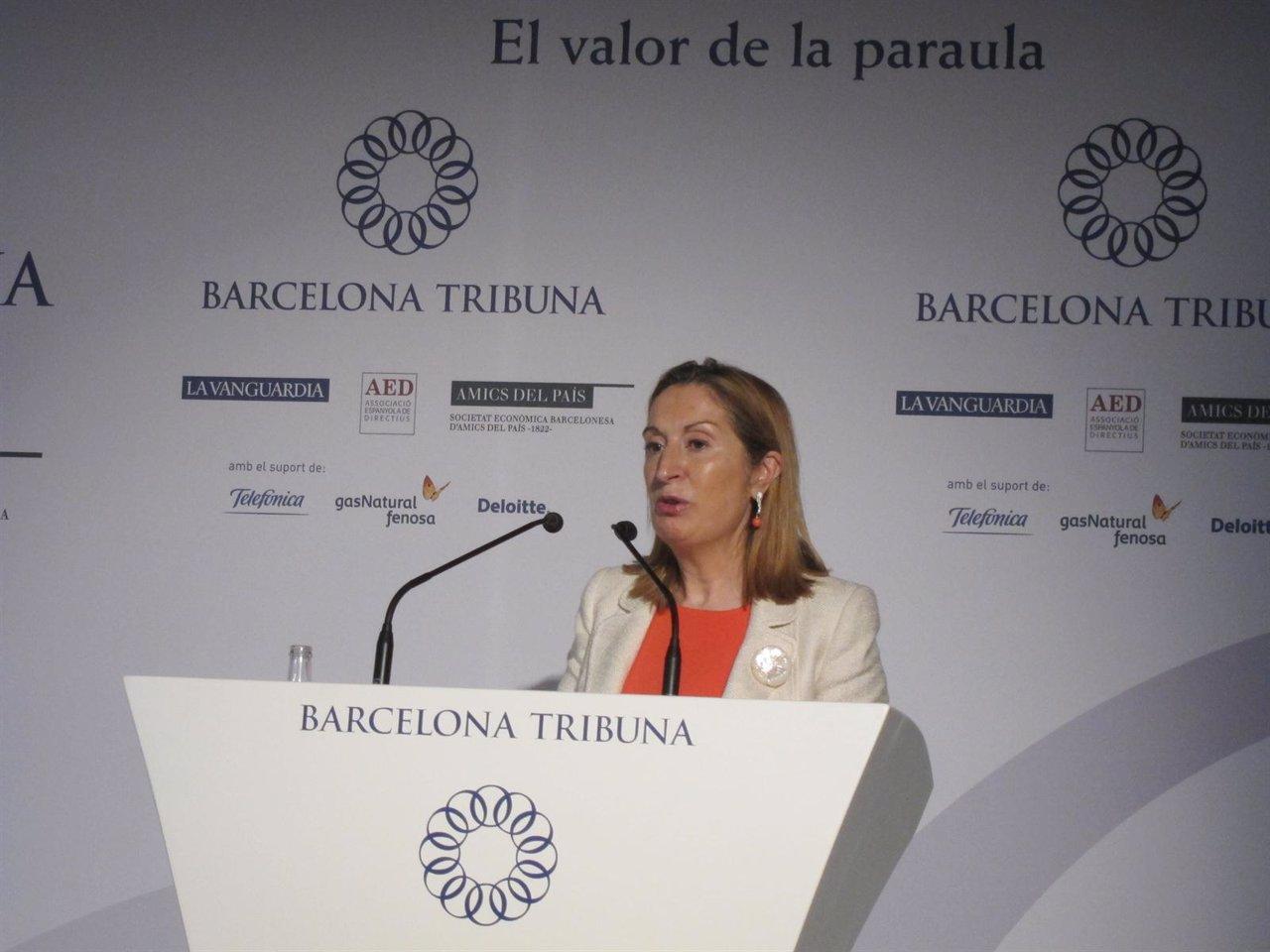 La Ministra De Fomento, Ana Pastor, En El Barcelona Tribuna
