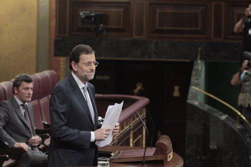 Rajoy en el Parlamento anunciando subida del IVA