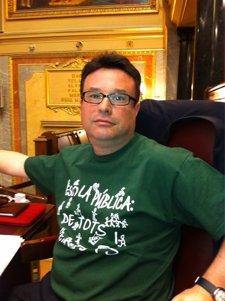 Joan Josep Nuet, Con La Camiseta Verde De La Escela Pública