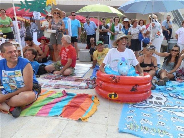 Sanitarios protestan en sevilla contra los recortes for Sanitarios sevilla