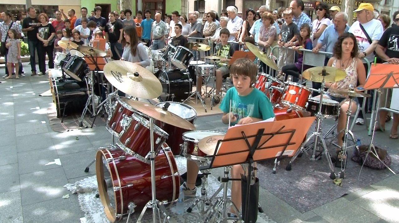 Concierto De Baterías En El Acústica De Figueres