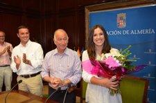 Amat Junto A Carmen Martín En La Duiputación Provincial