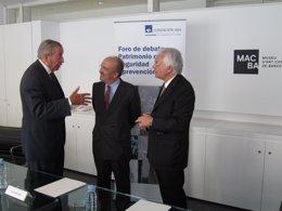 Firma De Un Convenio De Fundación Macba Y AXA