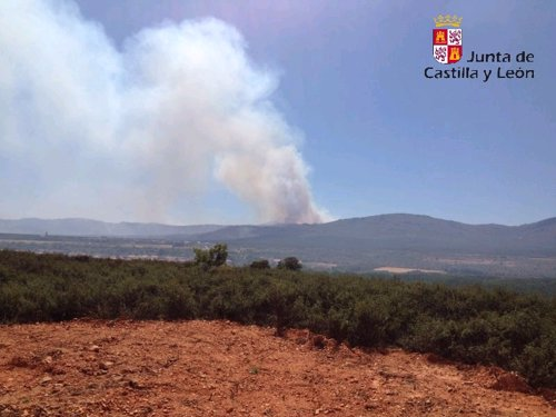 Imagen Del Fuego En Castrocontrigo (León)
