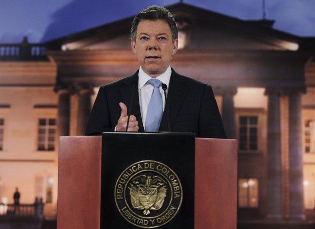 Presidente de Colombia, Juan Manuel Santos, afirma que mantiene contactos con la