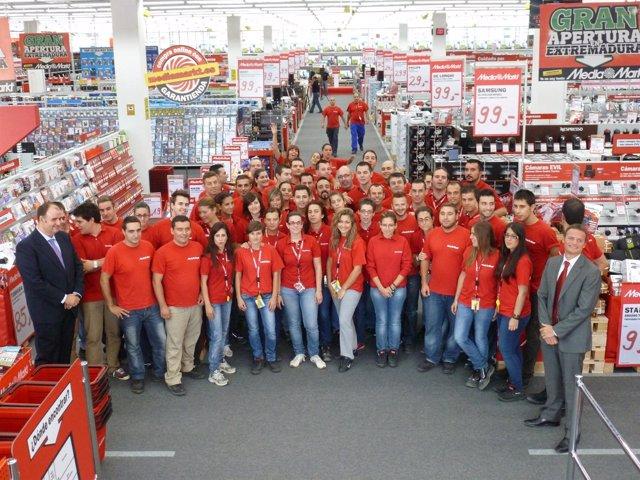 Media markt inaugura en badajoz su primer establecimiento for Distribuidora de recambios badajoz