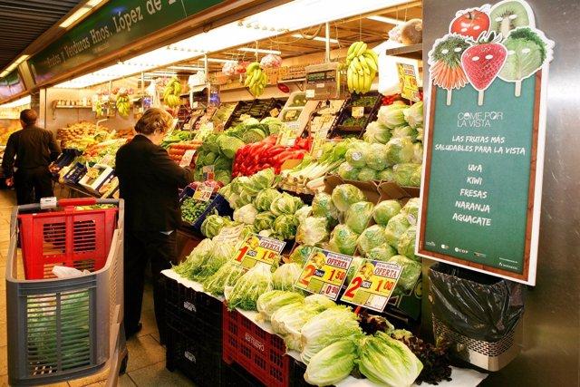 Vegetales Y Frutas En Un Mercado