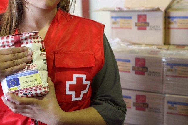 Reparto De Alimentos De Cruz Roja