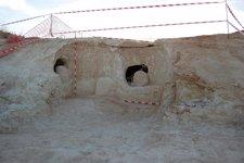 Cueva artificial descubierta en Pedrea.
