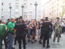 Protesta contra los recortes en Educación e incremento de tasas en el Paraninfo